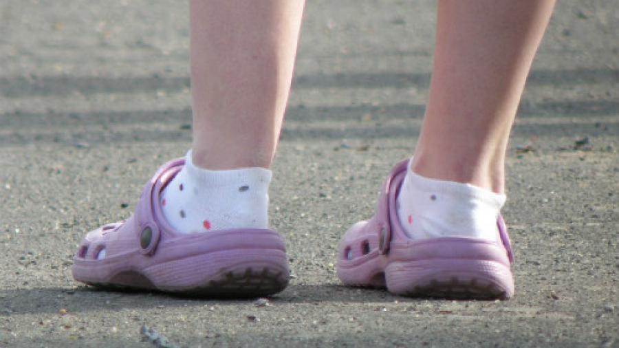 crocs-with-socks